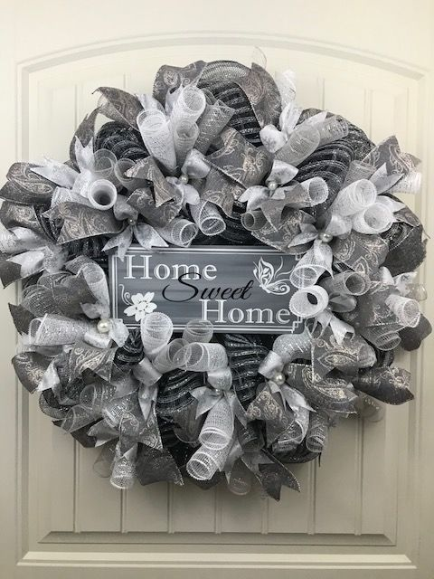 This Looks Like A 1920s Black And White Wreath Inspired By The Old