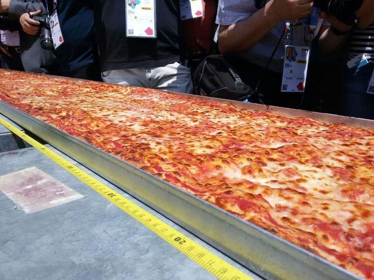 Quanto ancora ci vorrá per sapere se il record è stato battuto? E per mangiare la pizza? #Expo2015 #FestaDellaPizza