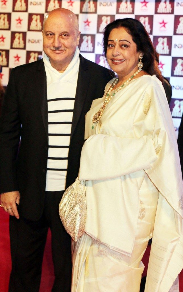 Veteran Bollywood couple Anupam Kher and Kirron Kher charmed one and all with their evergreen chemistry at #21YearsOfAapKiAdalat event.