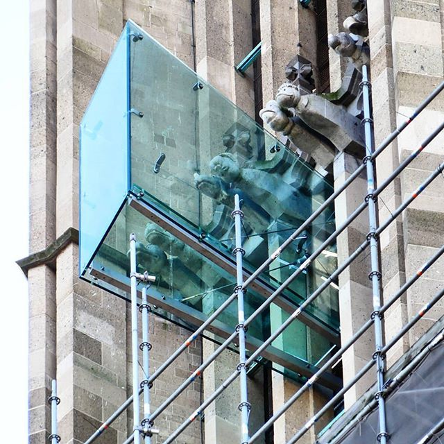 This is one of the two new balconies outside of the Eusebius Church tower in #Arnhem. They are made of glass even the floor and hang about 60 meters from the ground. The balcony will be open to the public in March.