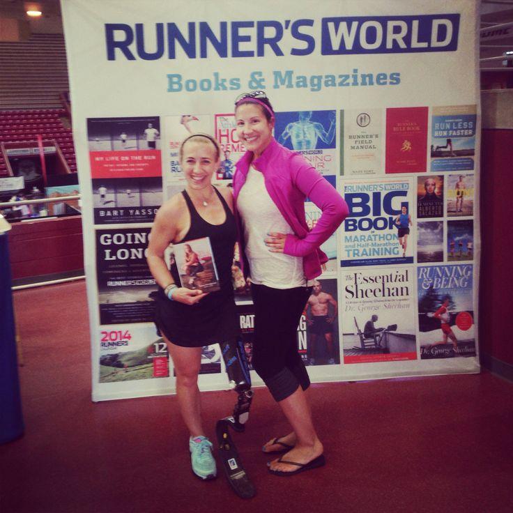 Honored to meet the awesome Sarah Reinertsen AlwaysTri -she is so nice, sparkly & inspiring! #sparklyheartbreaker @SPARKLYSOULINC @Pamela Culligan Culligan Passarello #begreat #hhhalf #sarahreinertsen