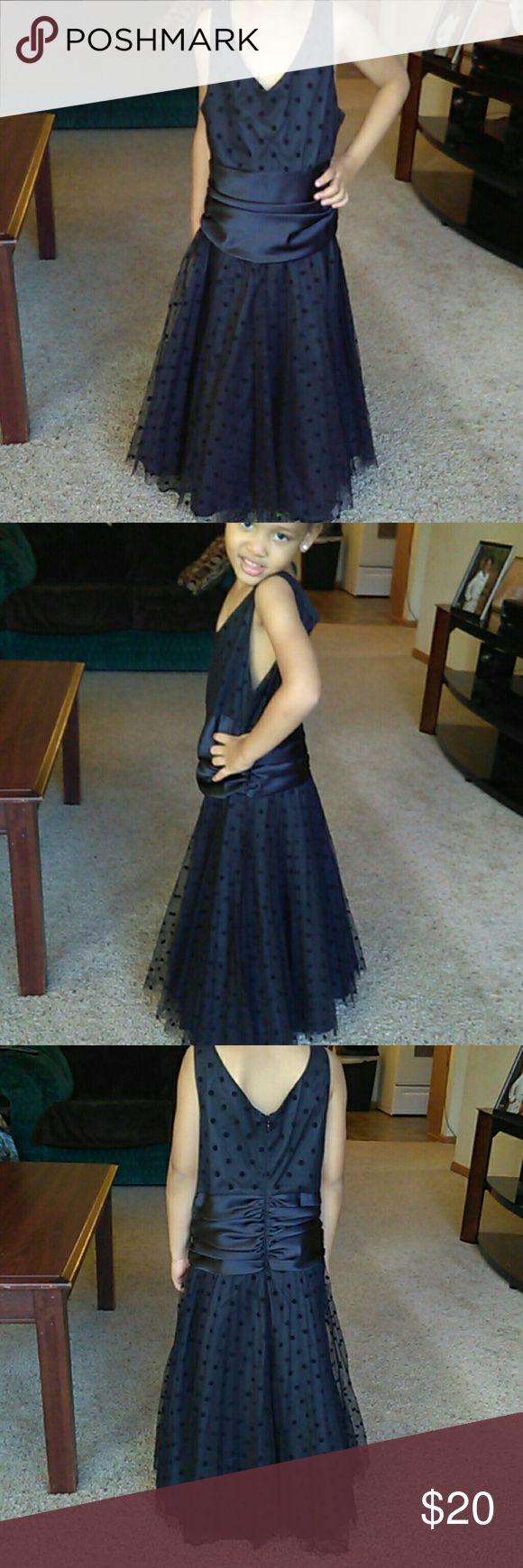 Bonnie Jean Dress Girls size 10 beautiful like new... Modeled on a 4y old Bonnie Jean Dresses