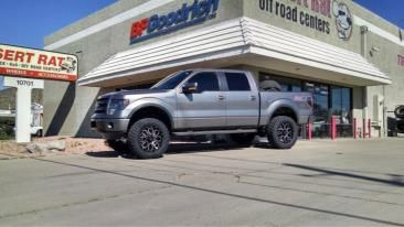 Ford with Helo Wheels HE879