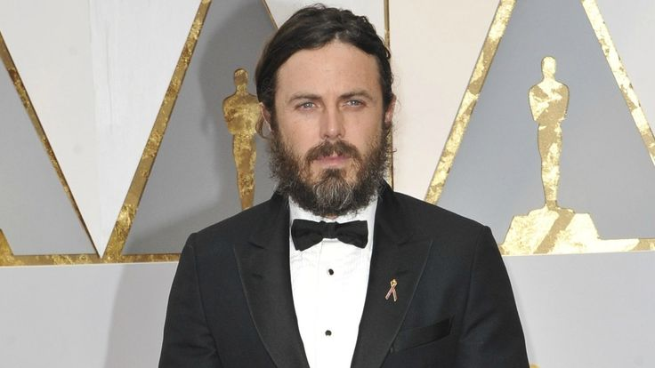 casey-affleck-blames-his-business-partner-for-donald-trump-donation (1250×704)