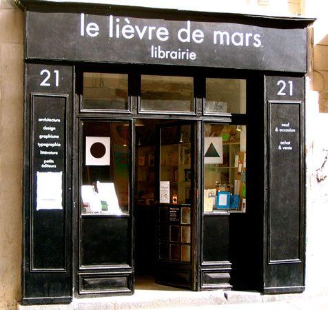 J'aime lire.. Mais c'est un peau difficile en français