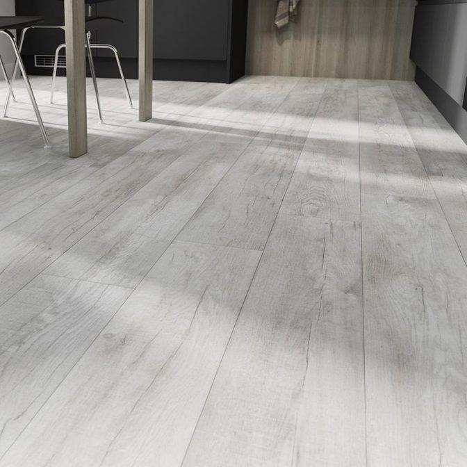 Howdens Professional Single Plank White Wash Oak Luxury Vinyl Flooring 2 01m Pack Luxury Vinyl Flooring Vinyl Flooring White Washed Oak