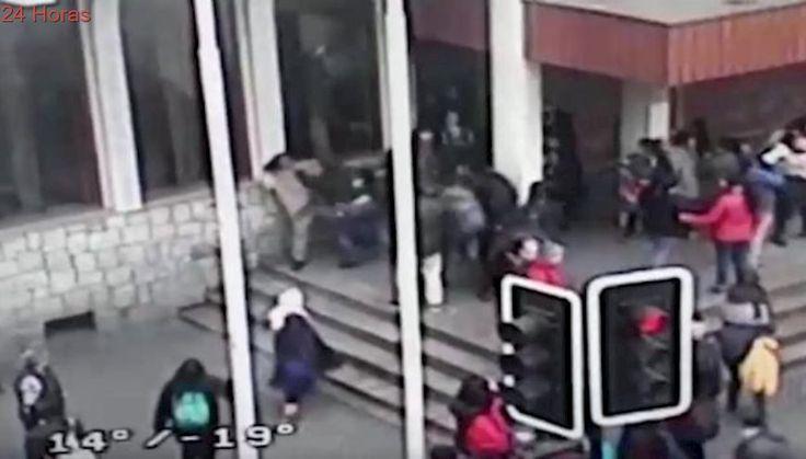 Captan agresión a sacristán en el frontis de la catedral de Temuco durante marcha