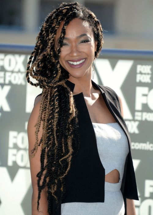 Sonequa Martin-Greene attends TWD TV Series Press Line at SDCC International; 7-22-16