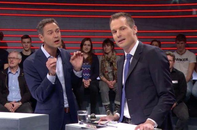 """Die Schweiz hat einen Fernsehskandal: Der Schweizer Historiker Daniele Ganser wurde vergangene Woche in einer Talkshow regelrecht zerlegt und als """"Verschwörungstheoretiker"""" diffamiert. Die Gesprächsführung gegenüber dem Forscher war so offensichtlich unfair, dass es Beschwerden hagelte."""