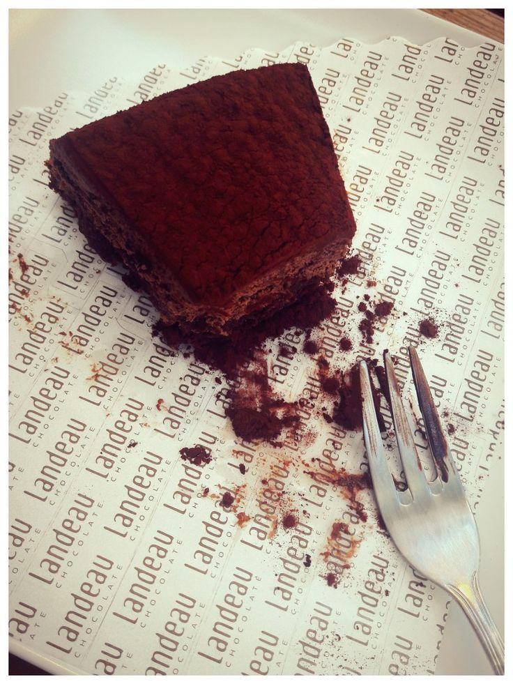 LANDEAU chocolate cake #landeau #chocolatecake #lisbon #portugal