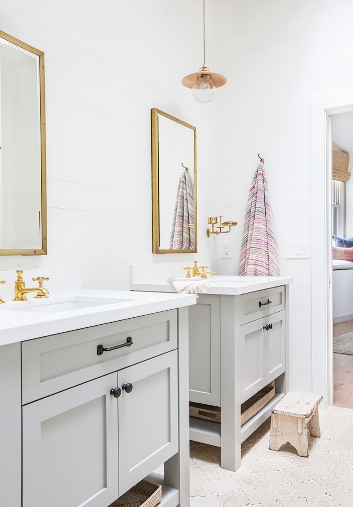 Low Cost High Reward Ways To Revamp Your Bathroom