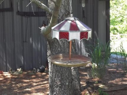 Use old stained glass lamp shade and car parts to make a bird feeder.#Repin By:Pinterest++ for iPad#