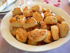 çörek otlu, değişik, kurabiye tarifi, kurabiyeler, mahlepli, naneli, salçalı, sirkeli, tuzlu, tuzlu kurabiye