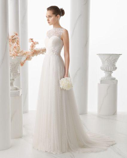 Robe de mariée Alma Novia modèle Naiara + voile Luna Novias à Paris