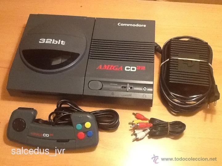 Consola Commodore Amiga CD32 CD 32 Bits PAL Completa y Funcionando Correctamente