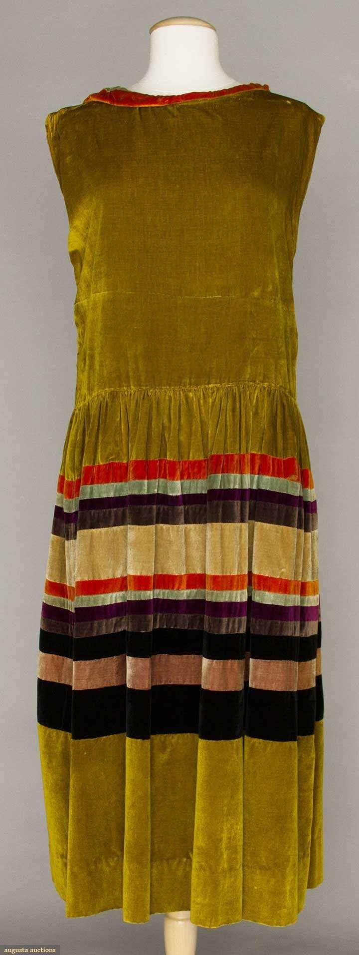 1920s MARGARETE NEUMANN VELVET DRESS, GERMANY.