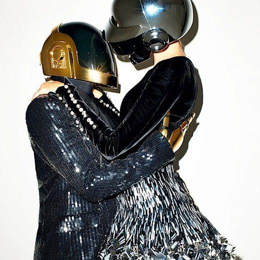 Keep On Dancing Best electronic, dance, party, disco musics http://8tracks.com/dorukbatu/keep-on-dancing