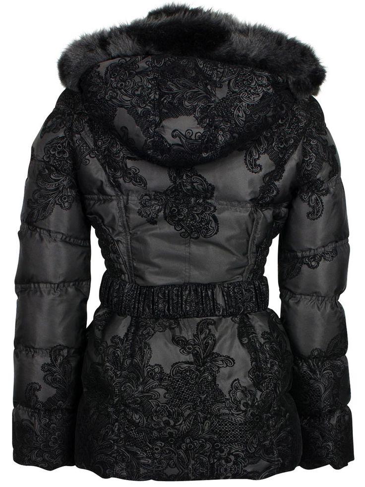 Profitez de la Livraison GRATUITE pour l'achat de ce vêtement Femme : Doudoune Noir de la marque DESIGUAL (Reference 98611824). Un modèle automne - hiver 2013, très mode Femme à 100 % POLYESTER.