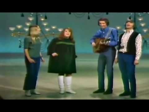 "THE MAMAS & THE PAPAS / CALIFORNIA DREAMIN' (1965) -- Check out the ""The 60s: Outta Sight!!"" YouTube Playlist --> http://www.youtube.com/playlist?list=PL96B2CEE2AA67D9AA #60s #1960s"