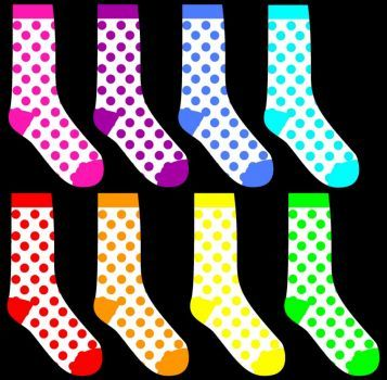A colorful jigsaw puzzle for kids - 8 socks (25 pieces)