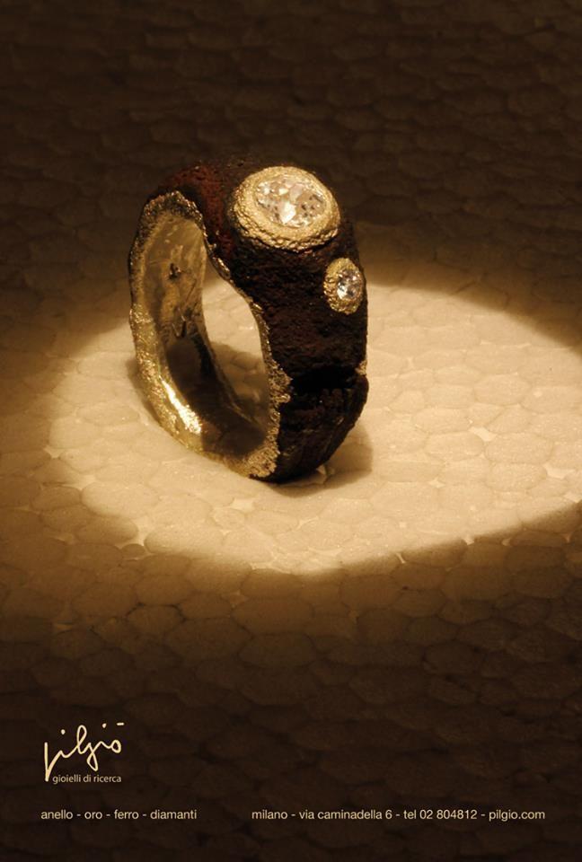 anello : oro - ferro diamanti