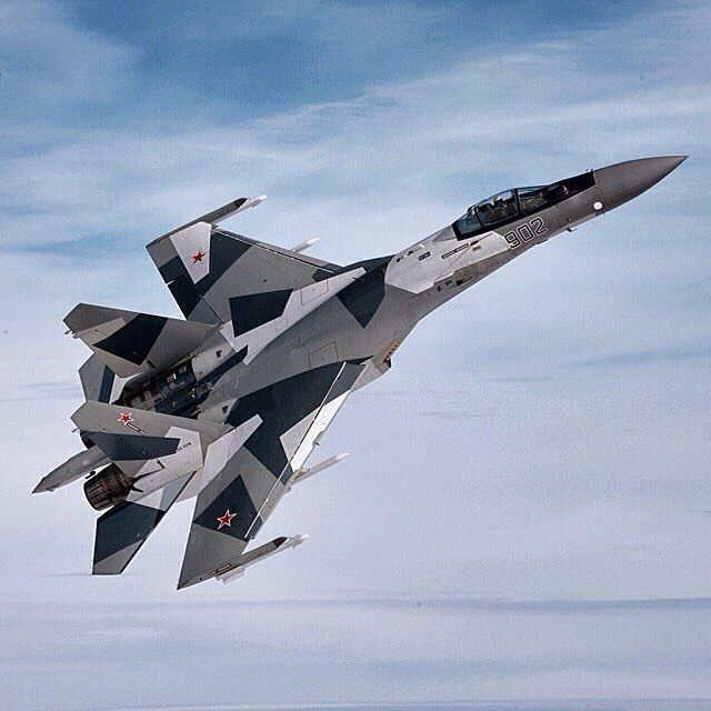 Russian Air Force Su-35 Flanker #military #aircraft #armedforces #airforce…