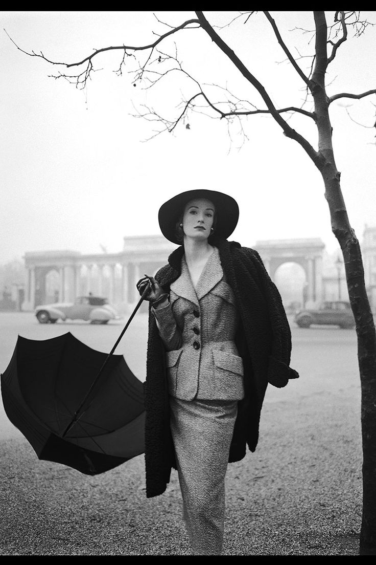 Hyde Park, 1951 - HarpersBAZAAR.com Love, love, love this photo! Women's vintage fashion photography photo image picture 50's suit