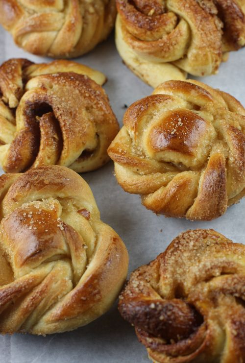 Swedish Snail Rolls  http://www.spiceroots.com/kanel-snegle-kanelbullar-swedish-cinnamon-snails-rolls-knead-bake-11