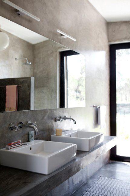 Une salle de bains brut et nature, salle de bain béton ciré