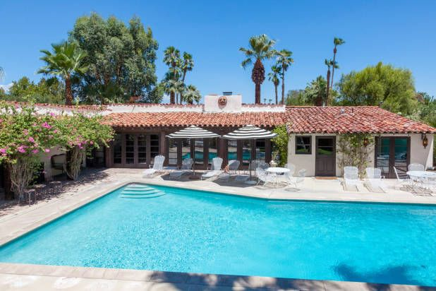 Celebrity Homes for rent. Bing Crosby Located in Palm Springs' Movie Colony, you can vacation like an Old Hollywood star in Bing Crosby's former 1934 hacienda. The home features four bedrooms, 4 bathrooms, a pool with seating for 30, and a screening room. Price: $675 per night