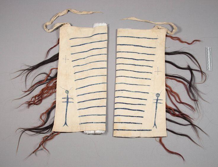 Леггинсы, Шайены. Вид один. Муслин, конский волос. Длина 68 см. Дата поступления 1893 год. Коллекция Rev. Heinrich R. Voth. NMNH.