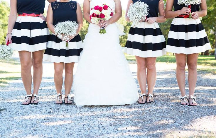 fun bridesmaid and bride picture