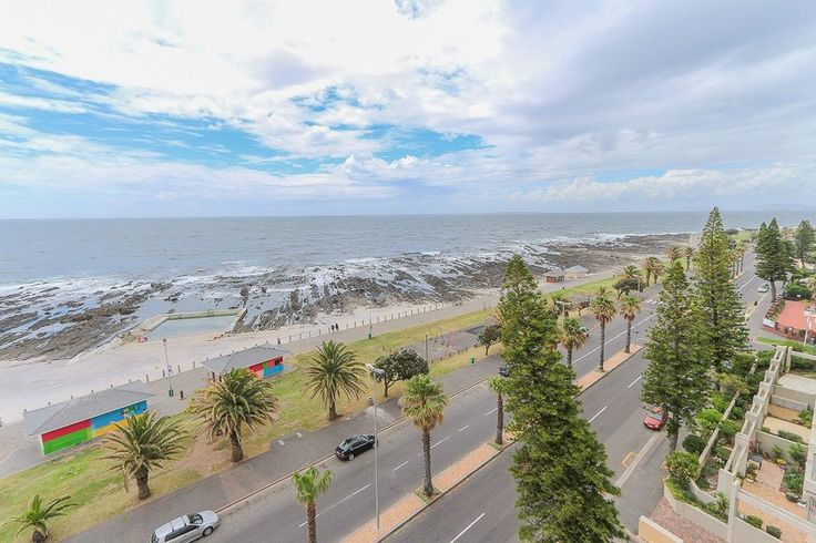 A luxurious 3 bedroom apartment on Beach Road in Sea Point. Villa d'Este boasts direct and panoramic sea views from the living area and main bedroom suite. The apartment offers 3 separate balconies from where to view different sceneries. The apartment's location is excellent, being on Beach Road, you are opposite Sea Point Promenade and a short walk to many different shops and restaurants. With no need to drive when you stay here, expect a relaxing and fun-filled holiday experience.
