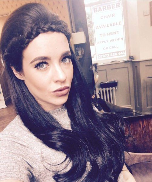 Stephanie Davis shows off her baby bump on a school #StephanieDavis, #Stephanie, #Davis, #Pregnant, #BabyBump #School, #Actress, #English