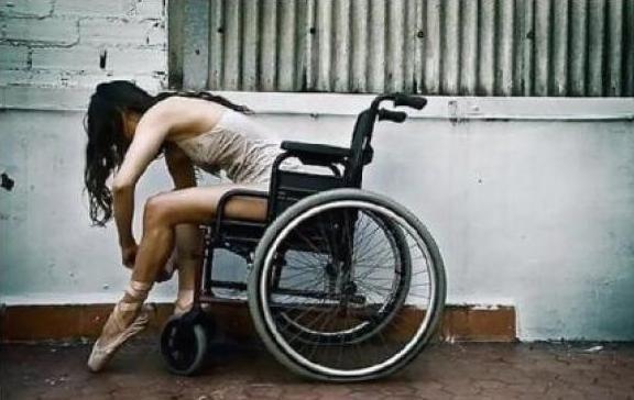 Comment vivre lorsqu'on est atteint de la Sclérose en Plaques ?  Témoignage qui nous explique ce qu'est cette maladie et comment on vit avec lorsqu'on a 32 ans...