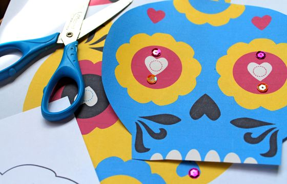 Free coloring sheets- Day of the Dead - Activity table kids crafts