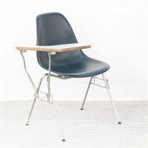 Designmøbel. VITRA. Eames Side Chair. DSS. Sort. VITRA. Eames Side Chair. DSS. Let anløbent stel. Sjælden model.
