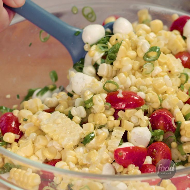Recipe of the Day: Fresh Corn and Tomato Salad When it simply feels too hot outside to turn on the oven or stove, don't. With fresh ingredients like corn on the cob, grape tomatoes and basil, you can have a great dish without ever heating up the kitchen. Serve this corn tomato salad on its own, on pasta or even as a taco topper for an extra-fresh flavor.