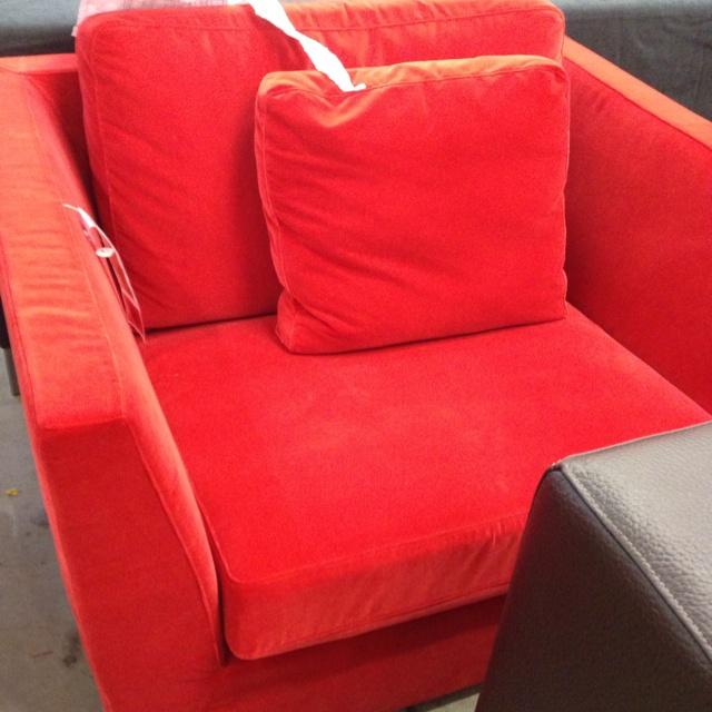 red ... love it! (ikea fundgrube)