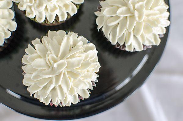Mum Cupcakes Frosting Technique Fancy Frosting Idea                                                                                                                                                     More