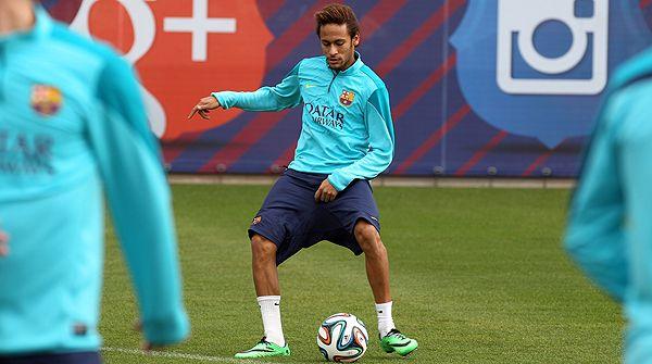El delantero brasileño realiza parte del entrenamiento con el equipo, en la ciudad deportiva de Sant Joan Despí.