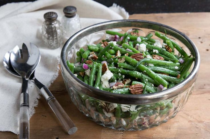 Green Bean Salad by thevintagemixer: A simple green bean side dish for the holidays with all the best ingredients. #Salad #Green_Beans #Healthy