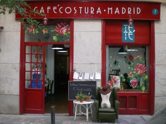 Teté Café Costura: Salón de té para hacer ganchillo en Madrid   DolceCity.com