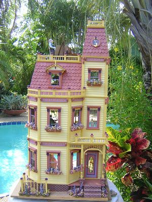Dollhouses by Robin Carey: The City Club Looks a lot like the Batrie kit I bought when I graduated high school.