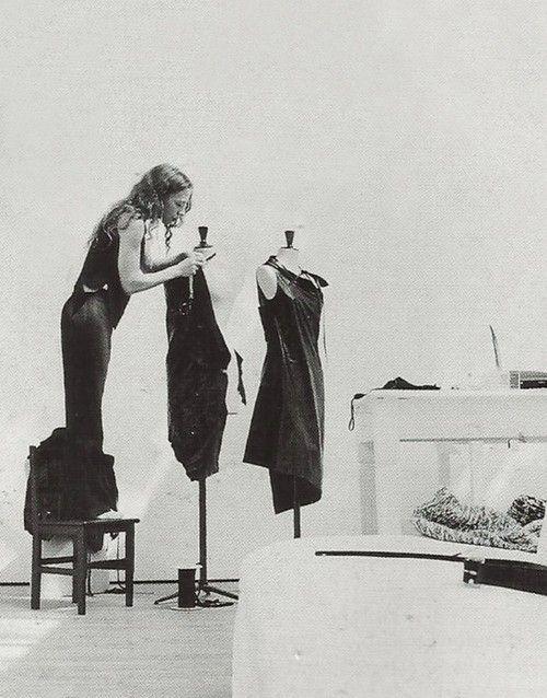 texturism:  drape + measure. ann demeulemeester | viaosseus:freshpinkthings
