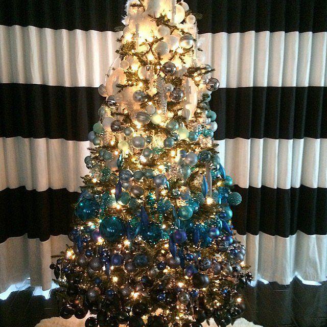 How HGTV Stars Decorate For the Holidays | POPSUGAR Home