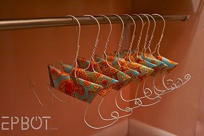 flip flop hangers for your closet!