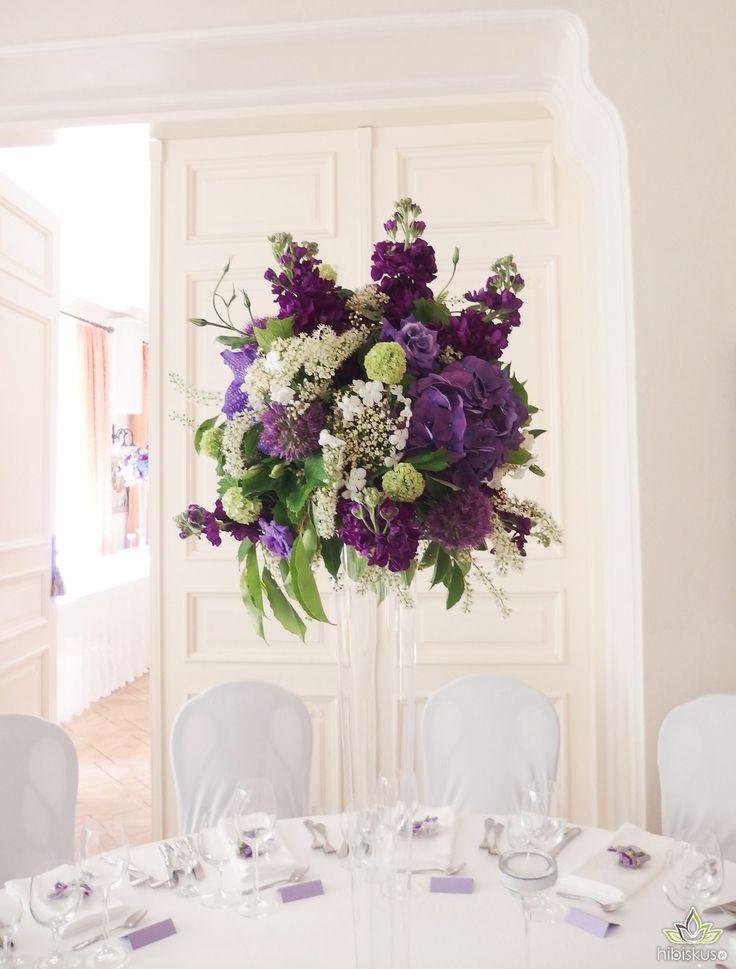 dekoracje ślubne z fioletowymi orchideami #orchidea #dekoracje #ślub #slub #slubne #kwiaty  #orchides  #wedding #decoration #weddingideas #flowers #flowerideas #weddingdecorations #fiolet #violet