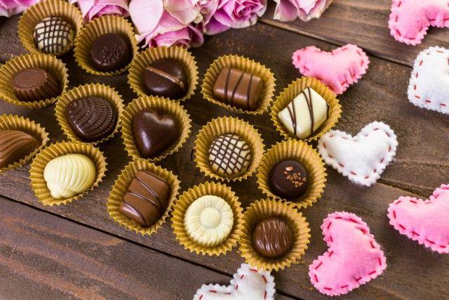 Regali di San Valentino fai da te: i cioccolatini fatti in casa. La ricetta semplice
