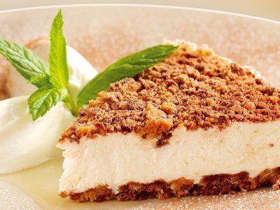 Cheesecake de Galletas de Chispas de Chocolate y Yoghurt | Un relleno delicioso con un toque crujiente que te encantará, prueba esta receta de cheesecake de galletas de chispas de chocolate y yoghurt.